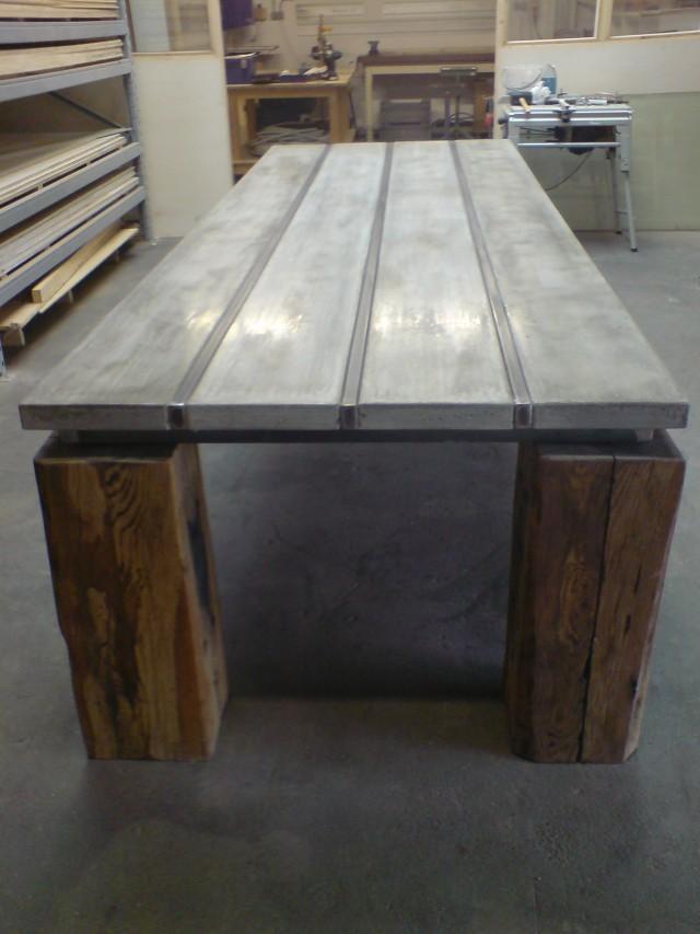 Beton,hout en staal xxl. Samenwerkingsverband met Timbermate Interieurs .