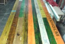 In de werkplaats. Mooie tafel van 4 meter!!!